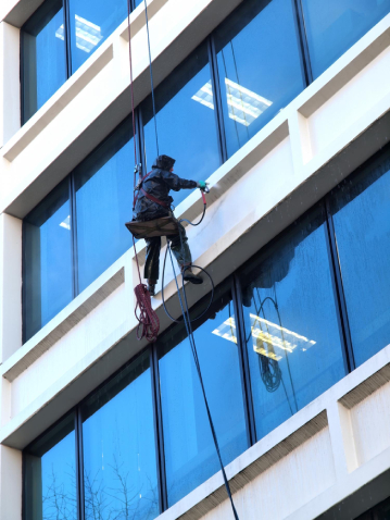 Store fronts and signs cleaning