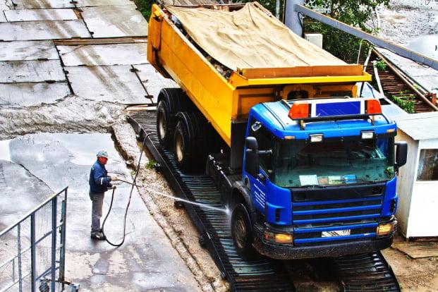 Truck feel pressure washing